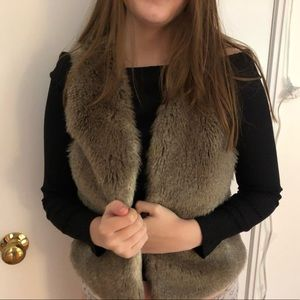 Faux Fur Aritzia Vest. Size XS